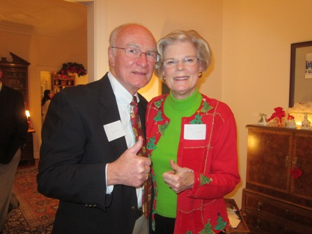 Mary Lou and Bob Drake giving the thumbs up